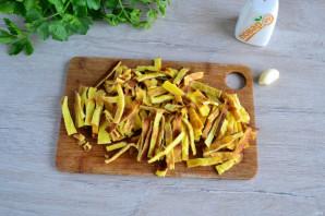 Салат с яичными блинчиками и шампиньонами - фото шаг 9