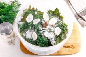 Огурцы соленые с дубовыми листьями - фото шаг 5
