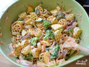 Овощной салат с макаронами - фото шаг 12