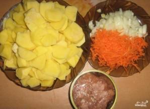 Картошка с тушенкой - фото шаг 1