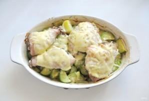 Курица запеченная с кабачками и картофелем в духовке - фото шаг 9