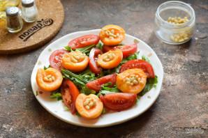 Салат из абрикосов с помидорами - фото шаг 5