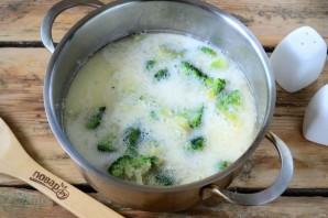 Сырный суп с брокколи в булочках - фото шаг 5