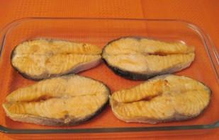 Красная рыба под соусом - фото шаг 2