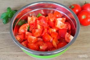 Салат из помидоров с красным луком и кунжутом - фото шаг 6