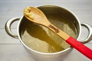 Гречневый суп с баклажанами - фото шаг 2