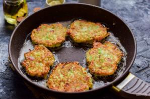 Оладьи из кабачков с ветчиной и сыром - фото шаг 7