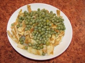 Салат в омлете - фото шаг 5