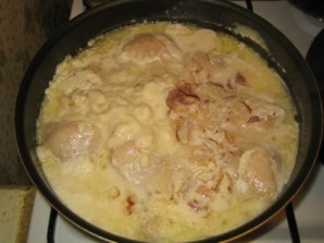 Курица под сметанным соусом - фото шаг 4