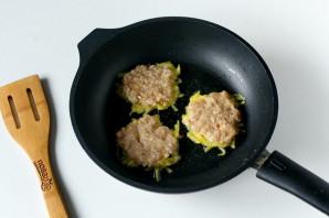 Белорусские драники с мясом - фото шаг 7