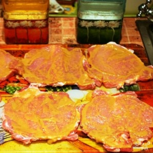 Рулетики из свинины, запеченные в духовке - фото шаг 5