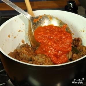 Гуляш из говядины с томатной пастой - фото шаг 4
