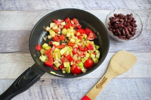 Фасоль с помидорами и цуккини - фото шаг 4