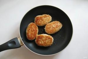 Куриные зразы с сыром и яйцом - фото шаг 9