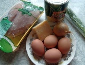 Салат из курицы, ананасов и яиц - фото шаг 1