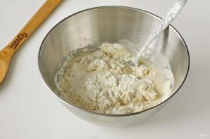 Дрожжевые пышки на сковороде - фото шаг 5