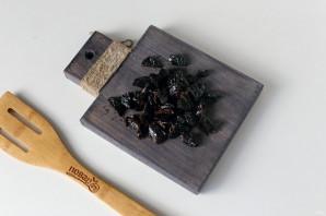 Морковная запеканка с черносливом - фото шаг 3