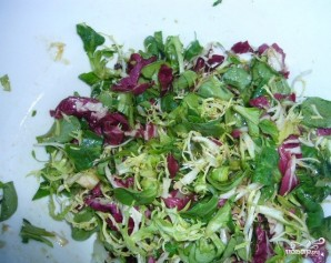 Салат с жареными грибами и сыром - фото шаг 4