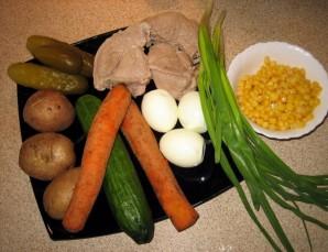 "Салат ""Оливье"" с кукурузой - фото шаг 1"