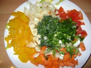 Рис с овощами, креветками и кальмарами - фото шаг 1