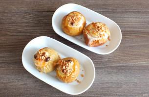 Яблоки запеченные в духовке со сметаной - фото шаг 6
