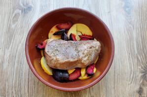 Мясо запеченное с фруктами - фото шаг 5