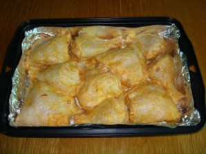 Курица с ананасами в духовке - фото шаг 4