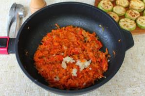 Жареные кабачки с морковью и луком - фото шаг 6