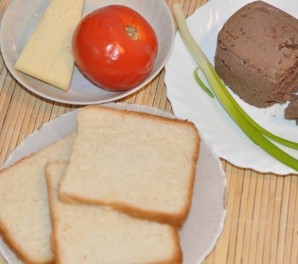 Бутерброды с паштетом - фото шаг 1