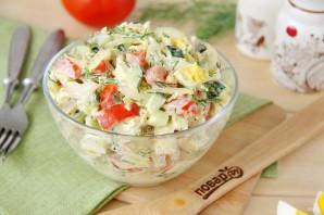 Салат с куриной грудкой и маринованным луком - фото шаг 9