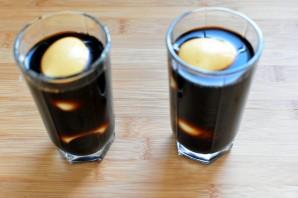Черные яйца, фаршированные тунцом и икрой трески - фото шаг 2