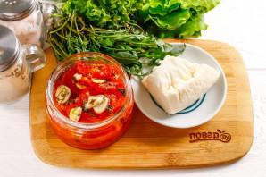 Салат с вялеными помидорами и рукколой - фото шаг 1