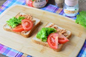 Бутерброды с паштетом на праздничный стол