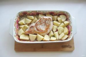 Свиная корейка с картофелем в духовке - фото шаг 6