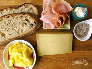 Сэндвич с ветчиной и ананасами - фото шаг 1