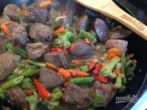 Печень индейки с овощами - фото шаг 7