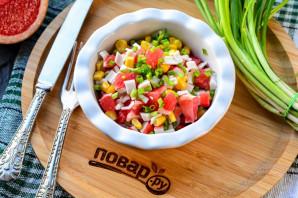Салат с грейпфрутом и крабовыми палочками - фото шаг 6