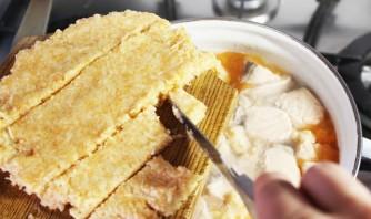 Рыбный суп с клецками - фото шаг 6