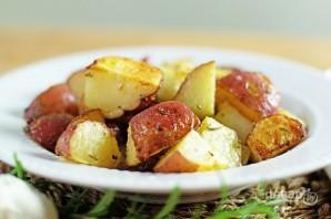 Запеченный картофель с чесноком и розмарином - фото шаг 6
