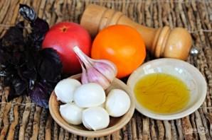 Закуска из помидор с моцареллой, базиликом и чесноком - фото шаг 1