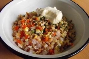 Салат с консервированными грибами - фото шаг 3