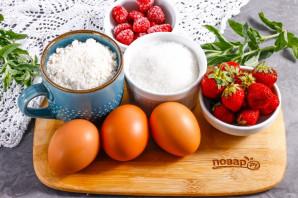 Пирог с клубникой и малиной - фото шаг 1