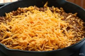 Макароны с фаршем и сыром в соусе - фото шаг 8