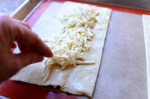 Слоеная пицца с грибами - фото шаг 6