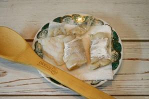 Бутерброды с треской и огурцами - фото шаг 2