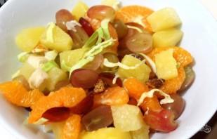 Салат из ананаса и курицы - фото шаг 2