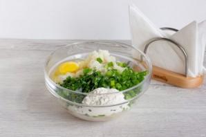 Рыбные оладушки с йогуртовым соусом - фото шаг 2