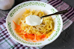Салат из моркови и яблока со сметаной - фото шаг 5