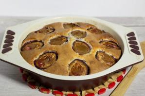Пирог со сливами и яблоками - фото шаг 7