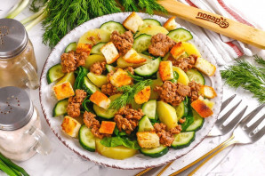 Салат с тунцом и сухариками - фото шаг 7